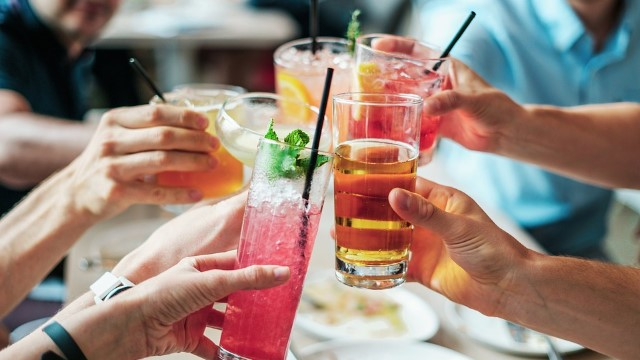 6 Ways Alcohol Can Sabotage Your Weight Loss Efforts