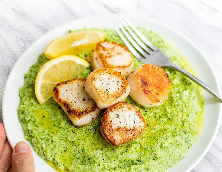 Seared Scallops with Creamy Broccoli Mash